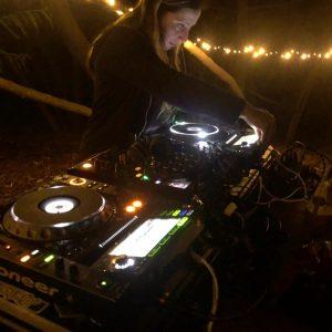 Priscila Candia - DJ - Constitucion