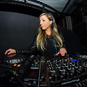 DJ Chilena de música electrónica