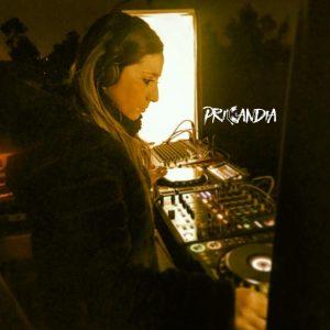 Priscila Candia - Club Infernus - Angol